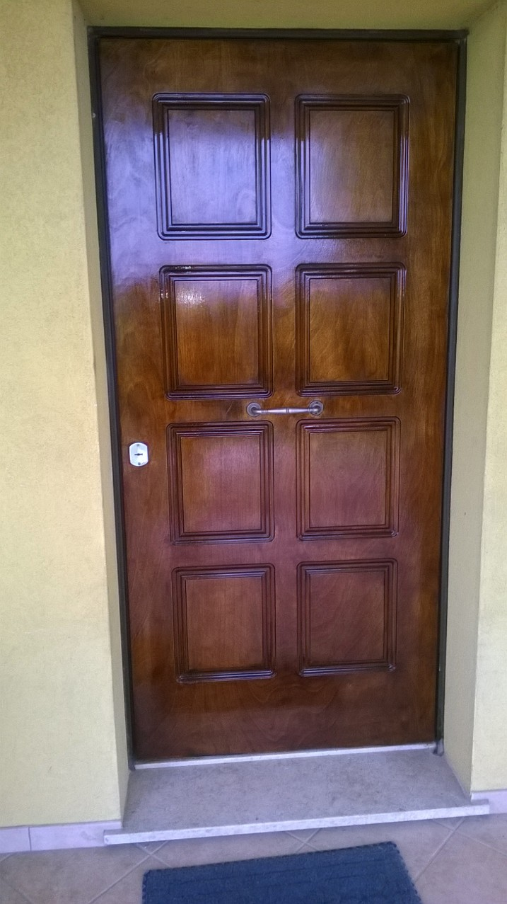 Pitturare Una Porta Di Legno.Vetreria Navacchia Ripristino Con Carteggiatura E Verniciatura Di